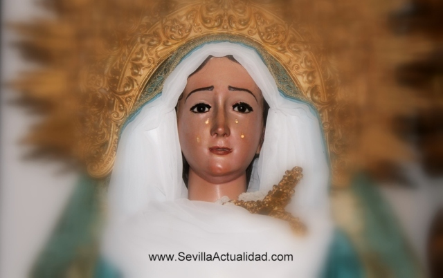 La imagen antes del proceso de restauración |Un documento en el interior de la imagen de la Virgen de la Paz indica que fue restaurada ya en el año 1868 / Juan Carlos Romero