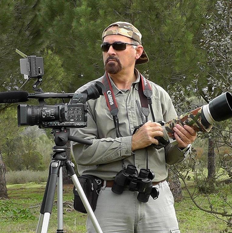 Apasionado por la fotografía de la naturaleza, Cid presenta con fines solidarios su producción documental en los pueblos de la provincia de Sevilla