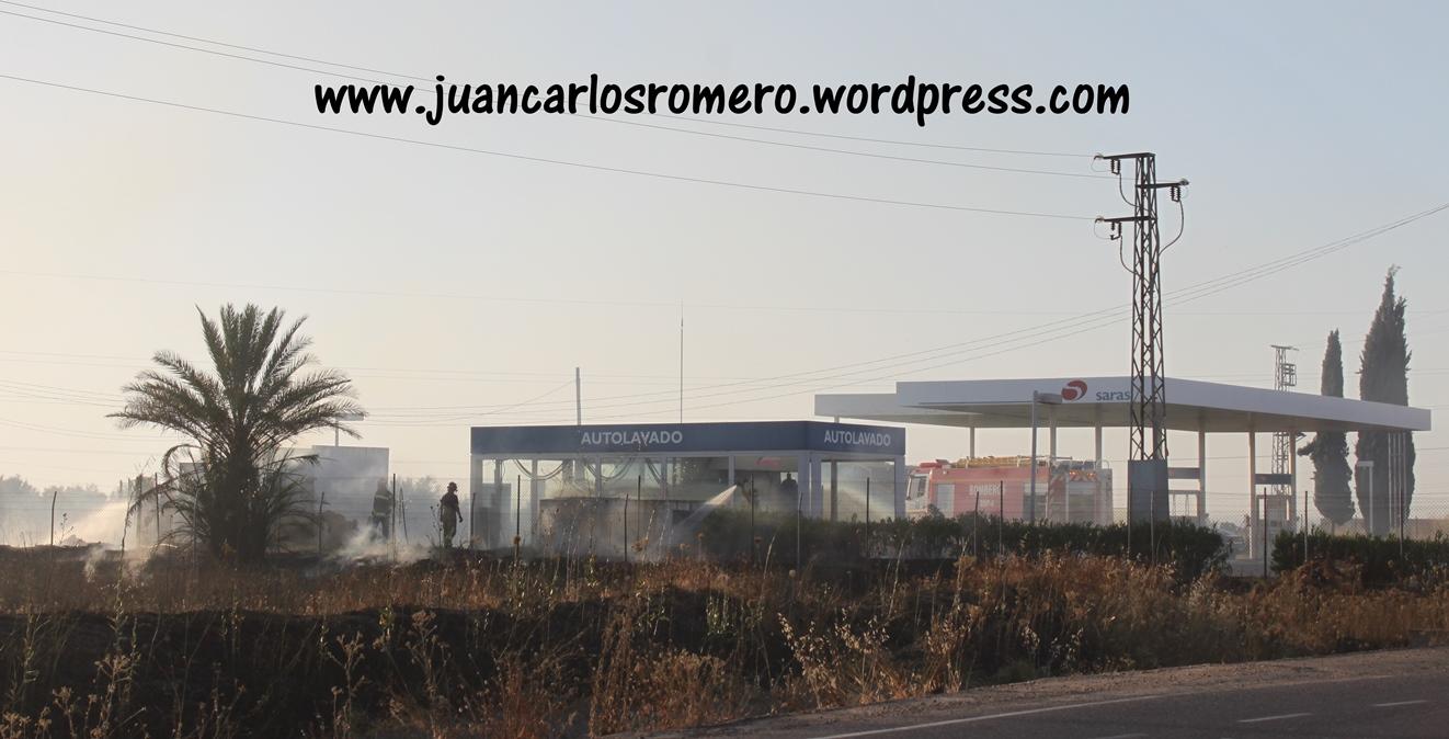 aSalidaSanJeronimo-Sevilla-llamas-junto-GasolineraSaras 016