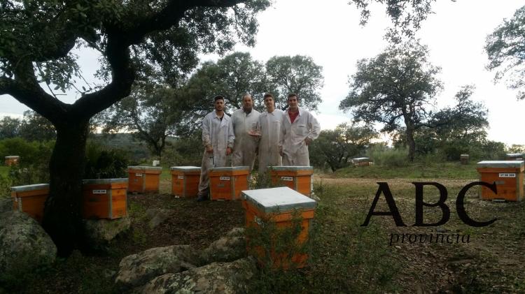 SierraNorte-Castilblanco-Apicultores-juancromero