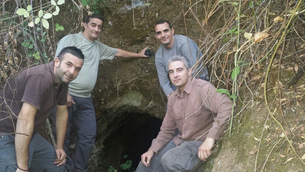 El acceso al viejo yacimiento de Los Laureles / Juan C. Romero