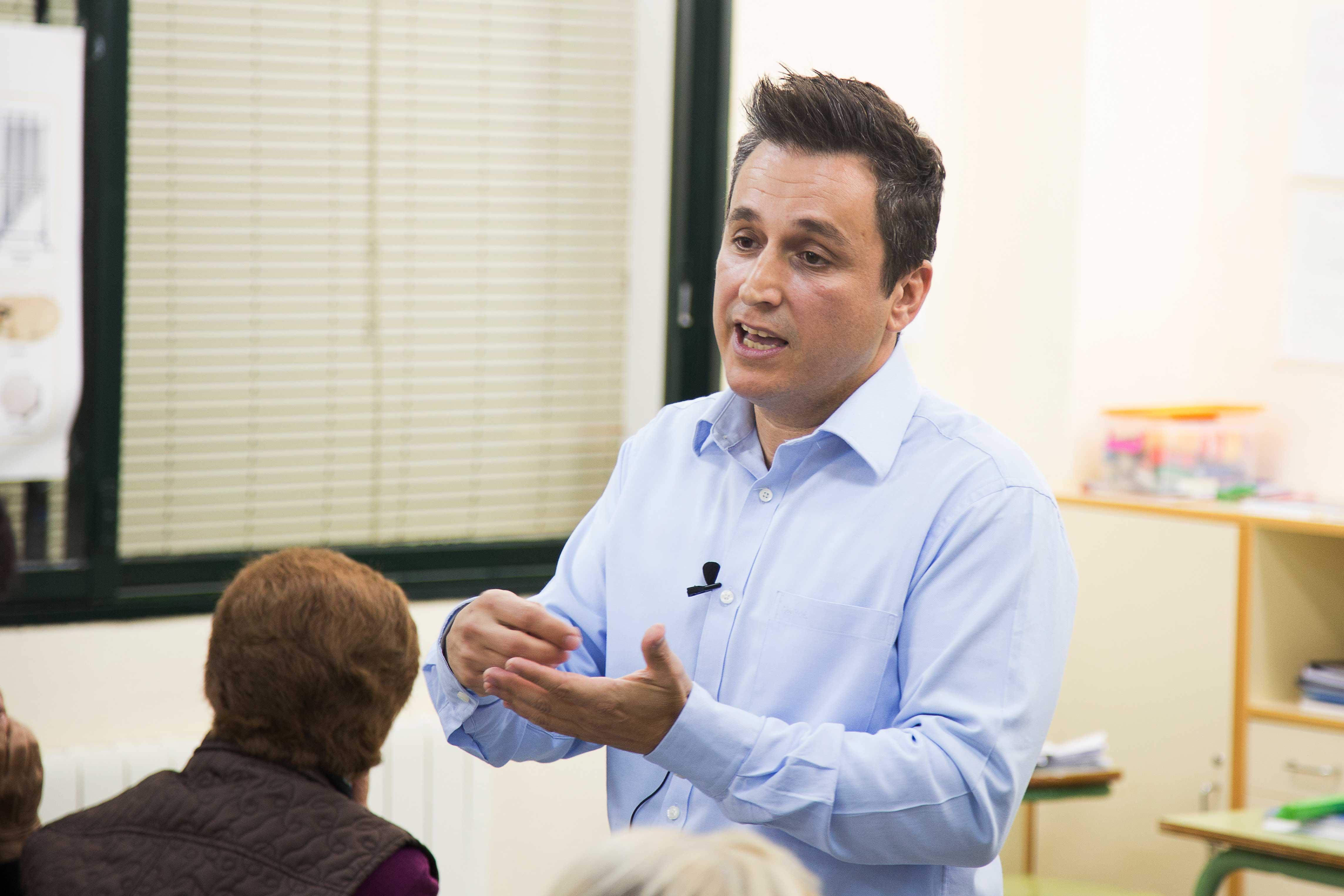 El alcalde, Francisco Calvo, apoya la movilización de la comunidad educativa y pide mejoras educativas